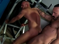 Bay room rimjob spear-carrier to anal with hot bears