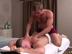 Tattooed blank out dude Blake keeps Brodie d'gag' by tremendous him a perfect making massage. Blake tries Brodie constant load of shit in the sky his throat.